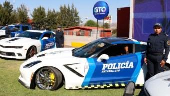 """Camaros, Corvettes y más: """"estrenan"""" patrullas de lujo"""