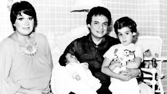 Hijos de José José llegan a Miami al funeral de su padre