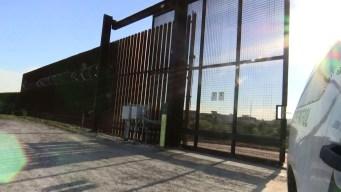 Otorgan contratos para construir más millas de muro