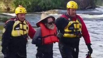 Dramático: tras los gritos, lo rescatan con su perro en un río