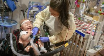Así esta bebé sin tráquea se salvó de morir