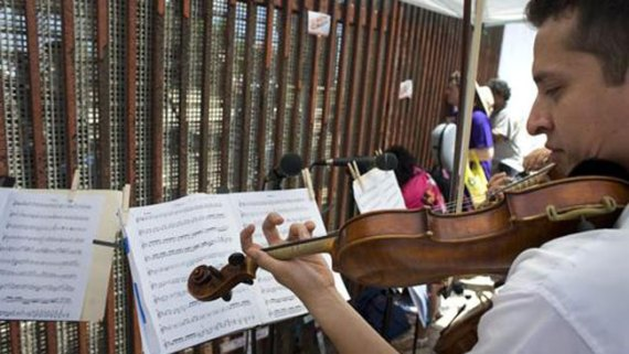 Música en medio de la crisis fronteriza