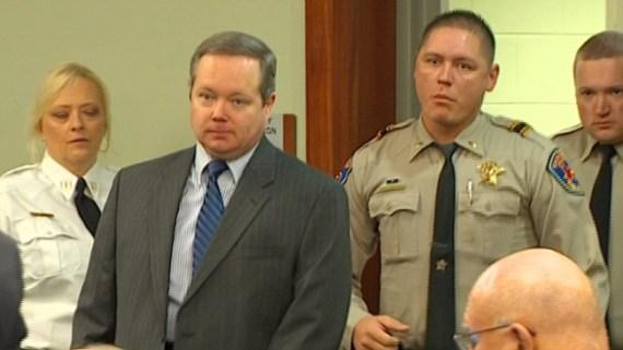 Inicia juicio en contra de Eric Williams