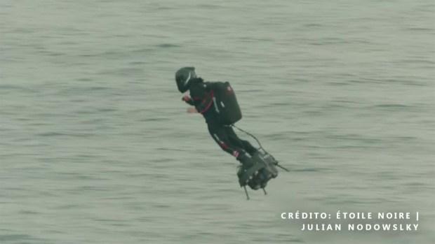 [TLMD - LV] Video: logra cruzar el Canal de la Mancha sobre aerodeslizador