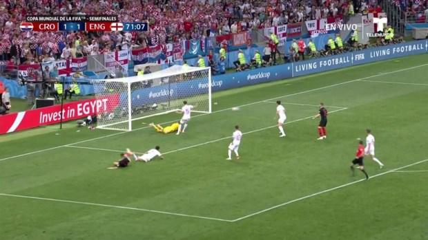 [World Cup 2018 PUBLISHED] El poste le dice que no, al disparo de Ivan Perišić
