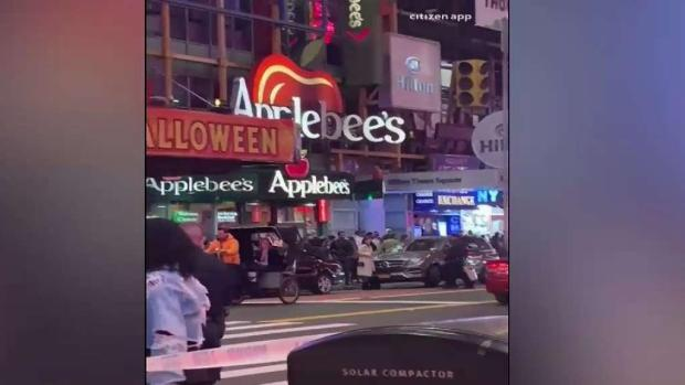 [TLMD - NAT] Ataque a cuchillo en pleno Times Square: hay un herido