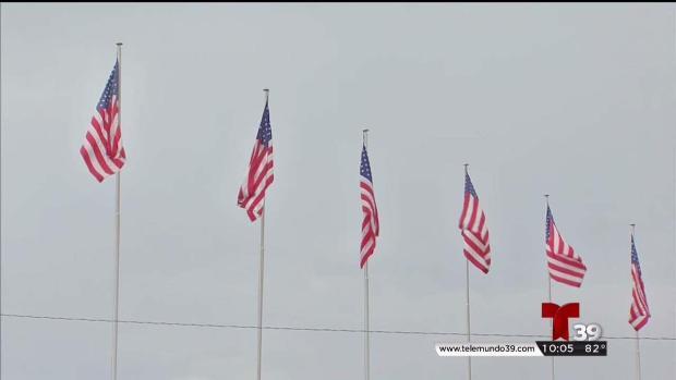 Retiran bandera confederada de Six Flags en Arlington
