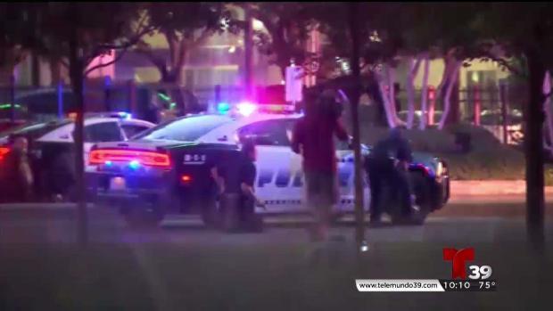 David Brown, jefe de policía de Dallas que enfrentó tiroteo