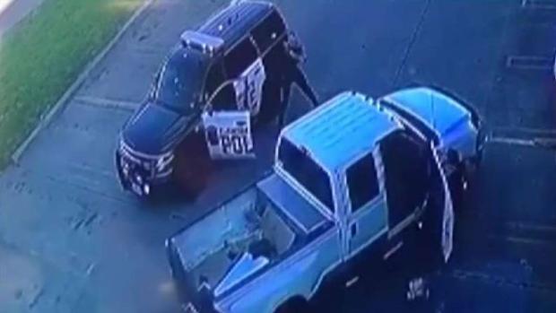 [TLMD - Dallas] Cargos de homicidio contra policía de Farmers Branch
