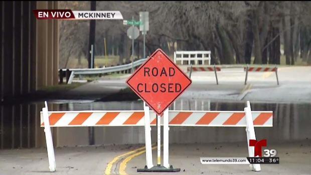 [TLMD - Dallas] Cierran algunas calles y carreteras por inundaciones