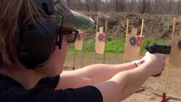 [TLMD - Dallas] Comienzan año escolar armados en Granbury
