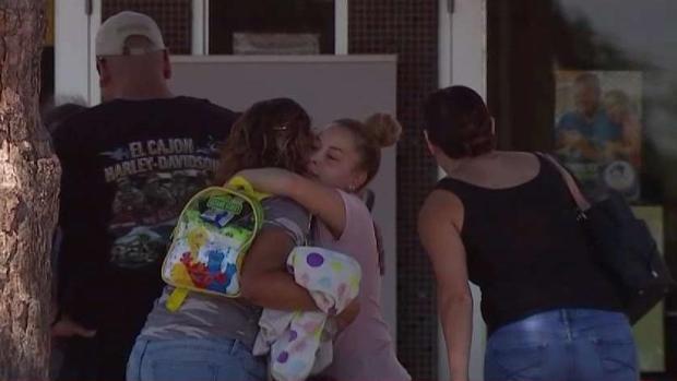 [TLMD - Dallas] Familias logran reunirse tras la masacre en El Paso
