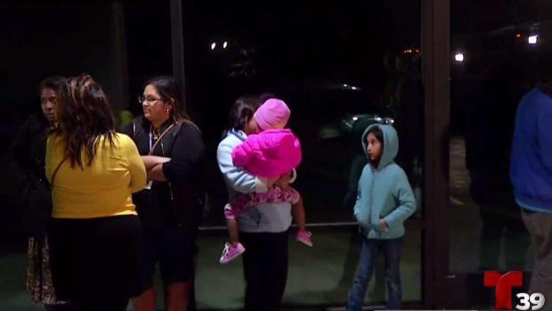 [TLMD - Dallas] Frustración entre evacuados por explosión en Dallas