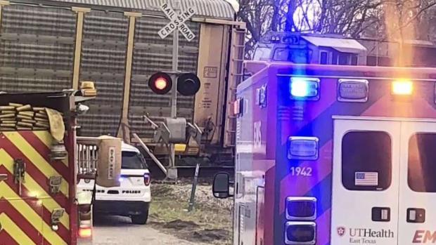 [TLMD - Dallas] Heridos y estudiante muerto tras accidente en Athens