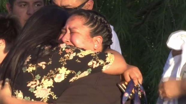 Hijos lloran pérdida de madre asesinada en Dallas