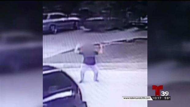 [TLMD - Dallas] Mujer describe pesadilla con vecinos en Arlington