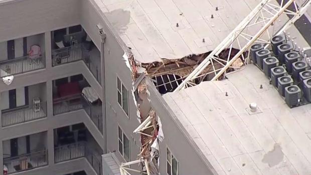 [TLMD - Dallas] Investigan colapso de grúa en Dallas