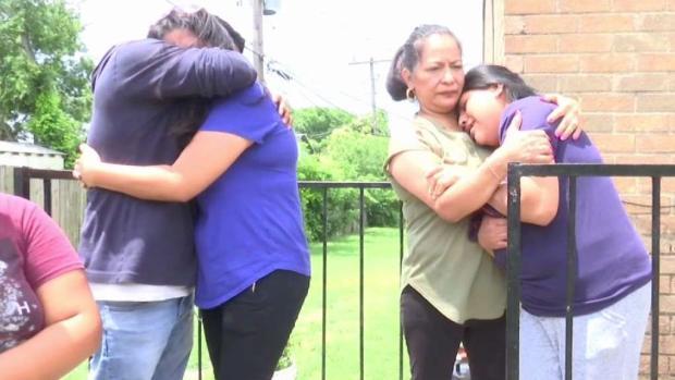 [TLMD - Dallas] Llora familia de obrero que murió al ser atropellado
