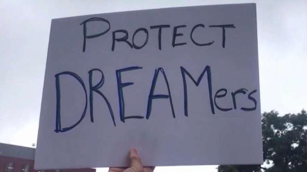 """[TLMD - Dallas] Más """"dreamers"""" podrían ampararse bajo DACA"""