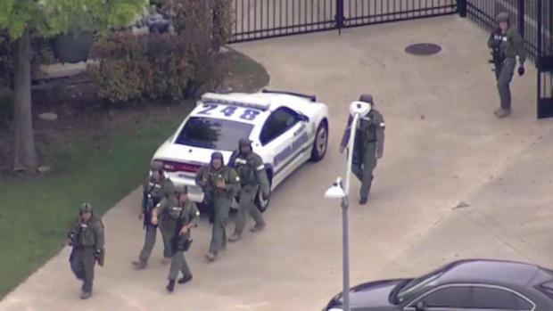 [TLMD - Dallas] Mesquite: Alerta por tiroteo cerca de preparatoria