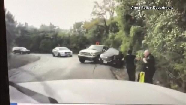 [TLMD - MIA] Texas: policía salva a mujer en la carretera