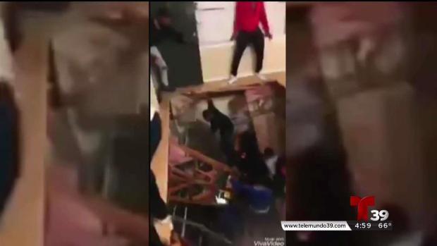 Piso de apartamento colapsa en Denton