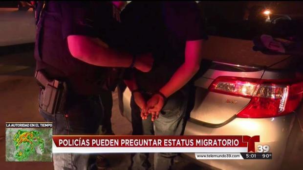 Policías aún pueden preguntar por estatus migratorio