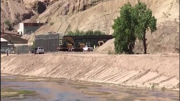 [TLMD - El Paso] Construyen primer muro privado en la frontera de El Paso y Ciudad Juárez