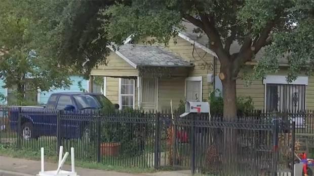 [TLMD - Dallas] Lluvia de balas deja a menor herida en Dallas