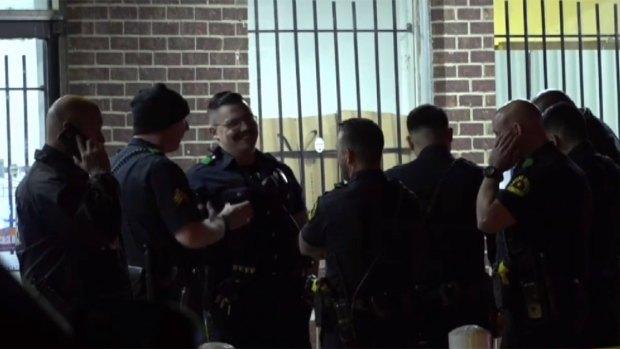 [TLMD - Dallas] Investigan tiroteo en tienda de Dallas