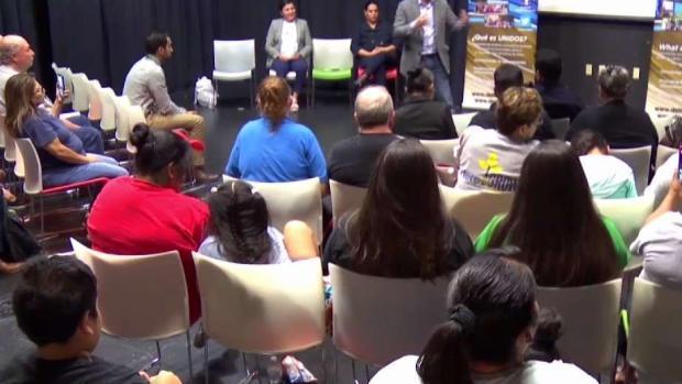 """""""Policía de Dallas no es inmigración"""" dice la Jefa Hall"""