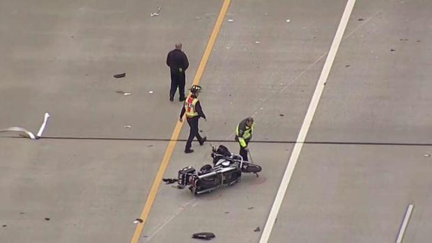 [TLMD - Dallas] Policías motociclistas chocan en autopista de Irving