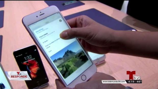 Mujer recibe su nuevo iphone