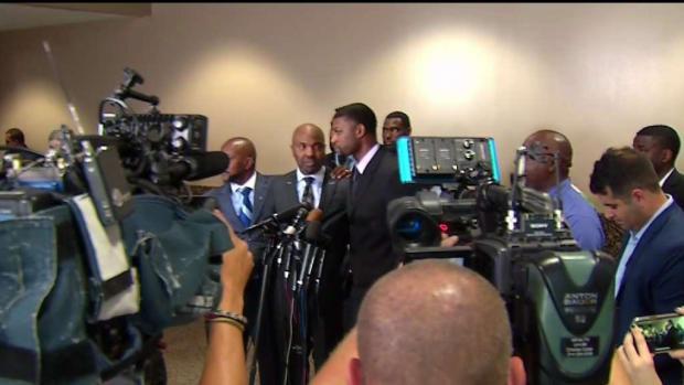 [TLMD - Dallas] Reacciones al veredicto en el caso contra Roy Oliver