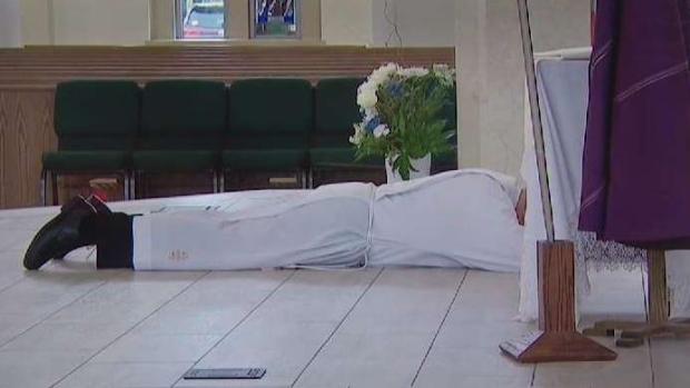 [TLMD - Dallas] Realizan misa del dolor en iglesia de Dallas