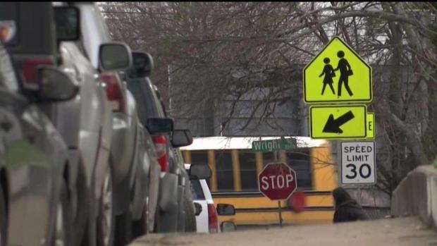 [TLMD - Dallas] Nuevo acto delictivo cerca de escuela en Oak Cliff
