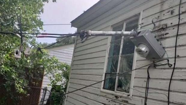 En Dallas: 3 meses sin electricidad y ONCOR se niega a reparar