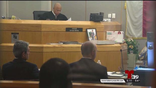 [TLMD - Dallas] Farmers Branch: últimos argumentos en juicio contra expolicía