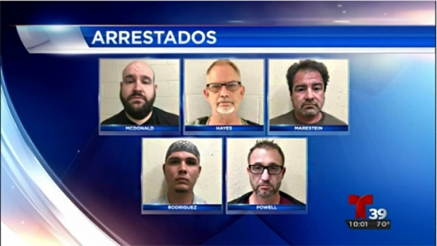 Cinco detenidos por solicitar actos sexuales con menores