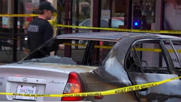 En Garland: Se incendia auto con tres niños dentro
