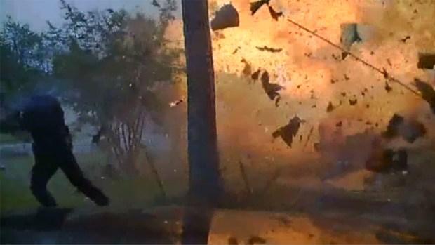 Así explotó una casa en Hurst tras choque
