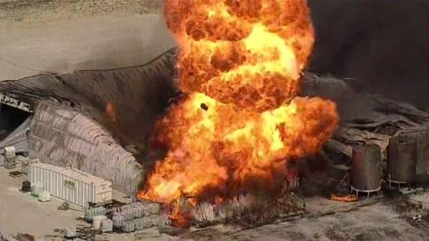 Explosión e incendio en una planta de químicos en Texas