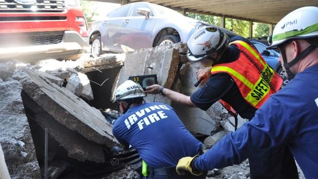 Así fue el operativo tras colapso de estacionamiento en Irving