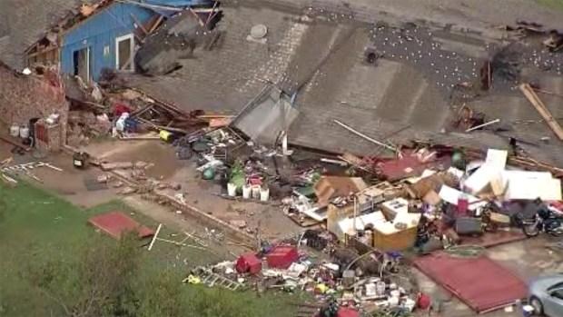 Tornados causan daños en Hillsboro y Waxahachie