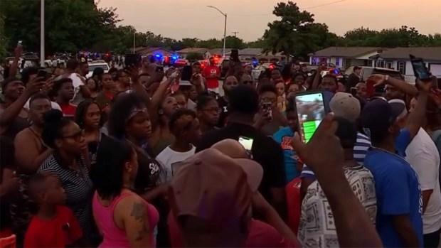 En Fort Worth: Exigen videos de cámaras corporales