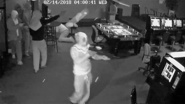 Video del asalto con una AK-47 en Fort Worth