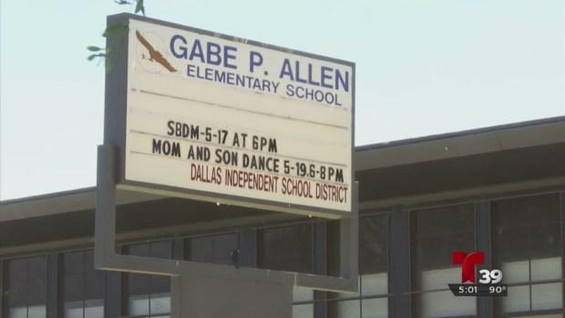 Menor de edad esposado en una escuela de Dallas