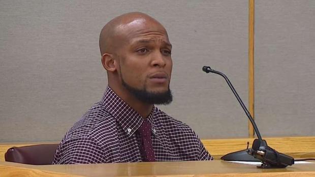 [TLMD - Dallas] Testifica hombre que fue baleado por exagente de Mesquite