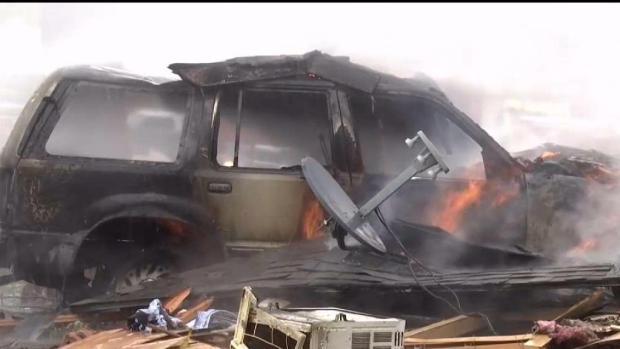 Captado en video: Explota una casa en Hurst