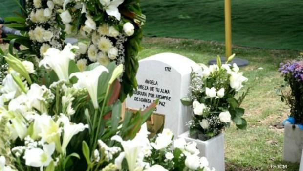 """Ángela"", la niña de la maleta, recibe sepultura"